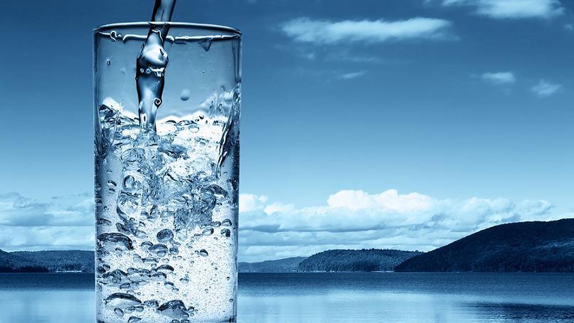 Структуризатор воды очищает потребляемую жидкость от вредных примесей, а пользоваться им достаточно просто. К тому же, их можно применять в различных ситуациях.